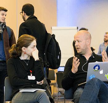 Discussion de travail entre pros du web bénévoles et associations